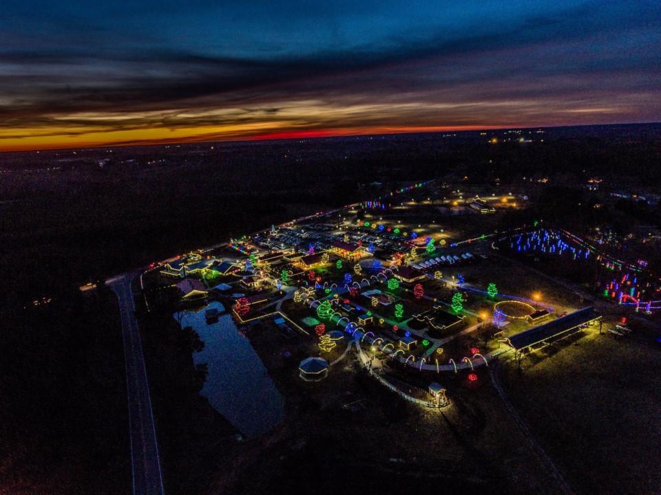http://www.hillridgefarms.com/cutenews/data/upimages/Festival_of_Lights_-Drone.jpg